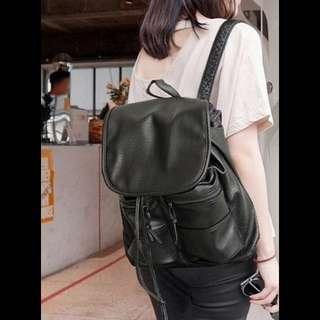 現貨唷!!!全新黑色後背包 好質感復古機車背包