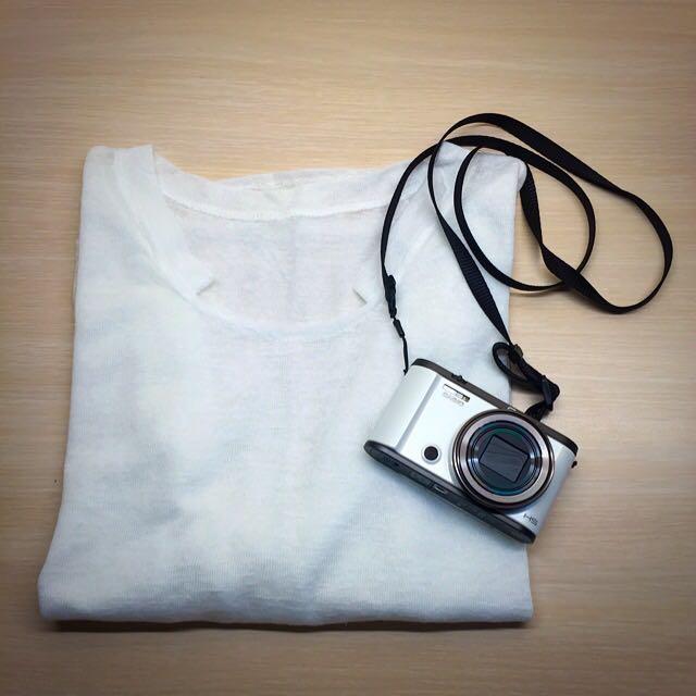 白色透膚五分袖上衣