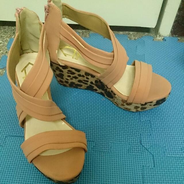 粉色豹紋楔形跟鞋