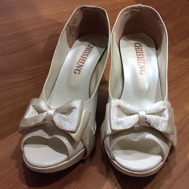 白色蝴蝶結高跟鞋24號