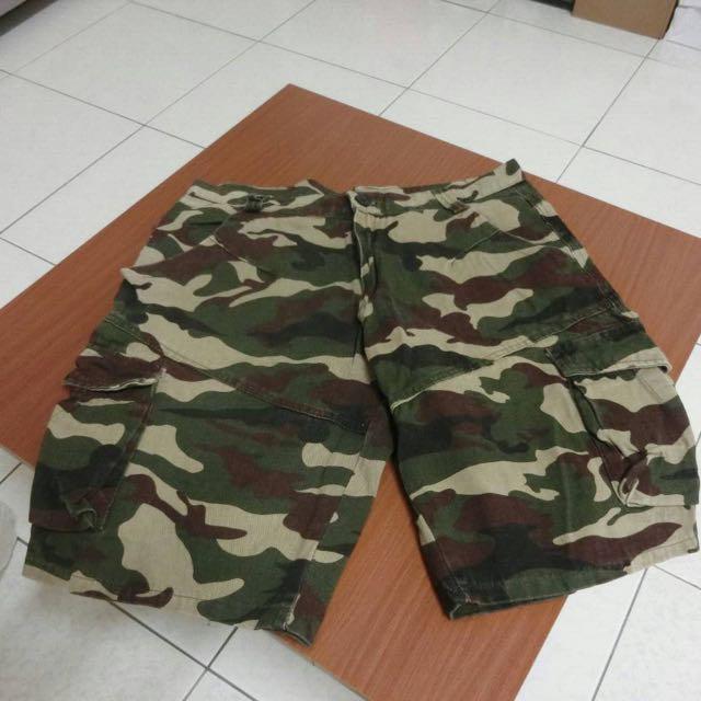 迷彩短褲 Xl 版小 大約32腰