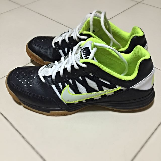 Nike Badminton Shoes, Sports on Carousell