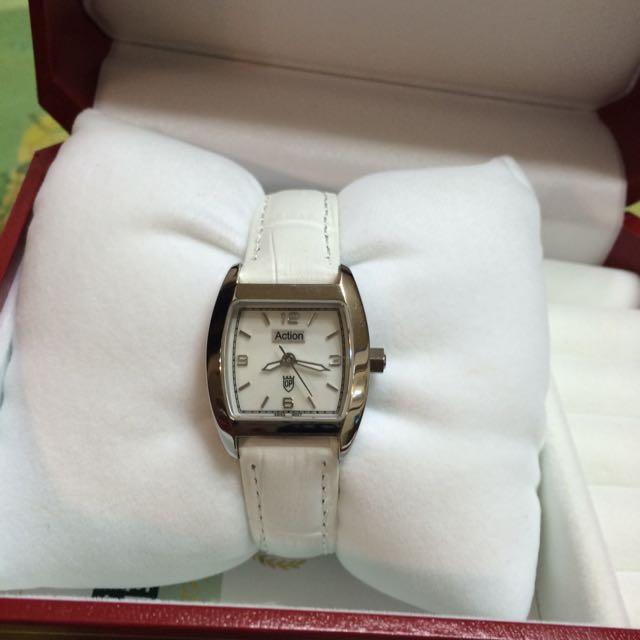 Olympia質感白色細帶手錶