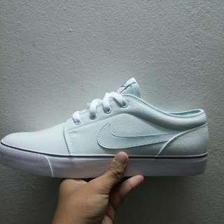 Nike Toki Cheap (RESERVED)