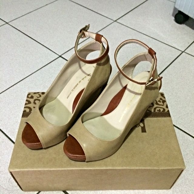 韓版雙拼色魚口楔型鞋(二手)