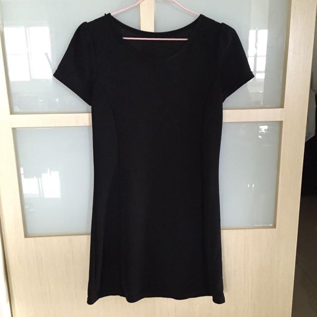 (保留中)黑色短袖合身洋裝