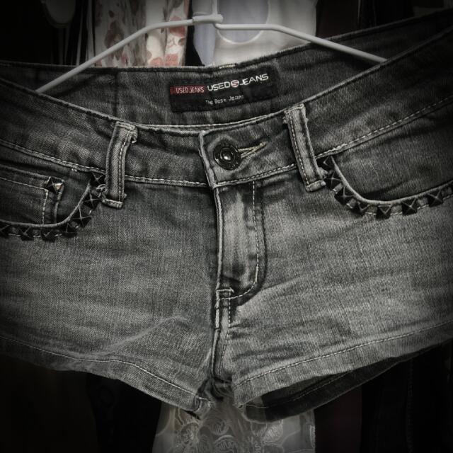 個性鉚釘短褲
