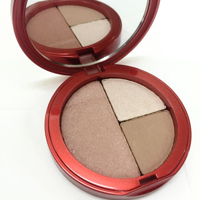 BN Redpoint Firm & Glow Color Compact
