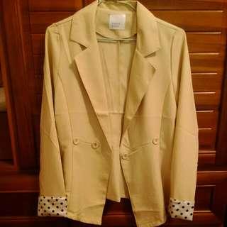 氣質女孩西裝外套