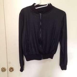 二手-全黑極簡輕薄拉鍊短版個性休閒口袋外套