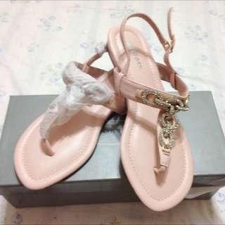 降價Melrose時尚涼鞋。38號