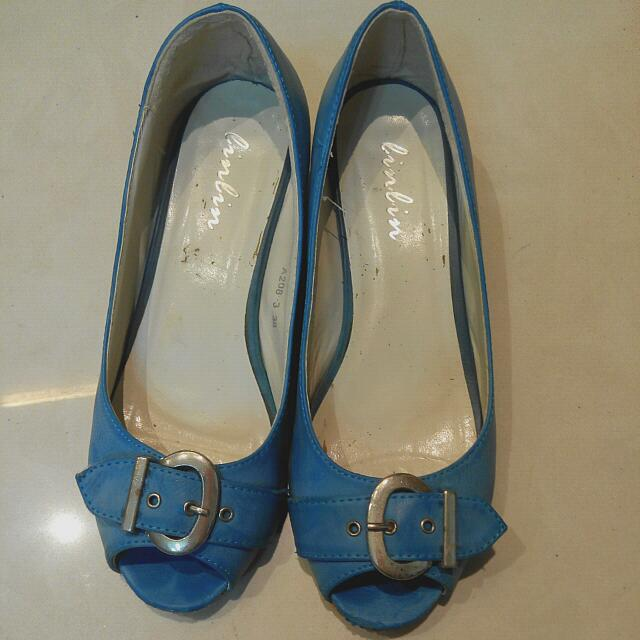 二手正韓扣金屬材質藍楔型鞋39(24.5)