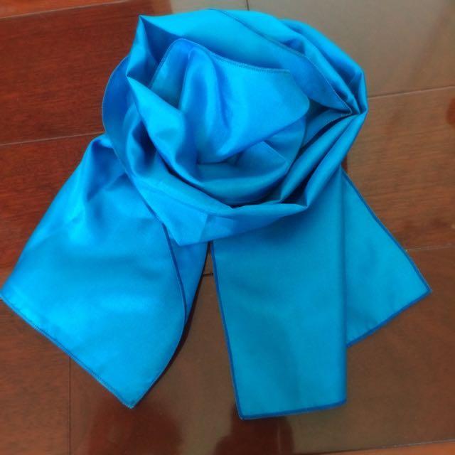 全新 天藍色100%絲圍巾
