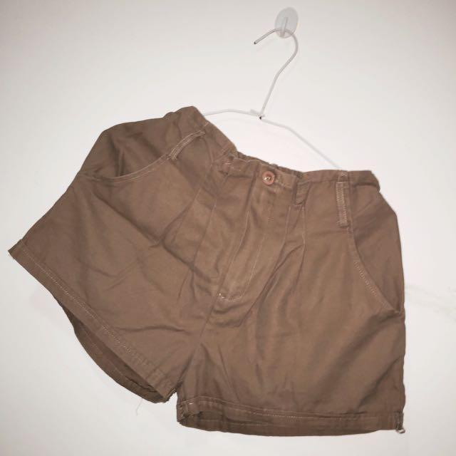 花苞邊短褲