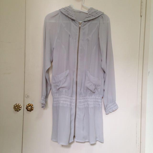 二手-淺灰長版連帽雪紡蕾絲透膚罩衫拉鍊口袋外套