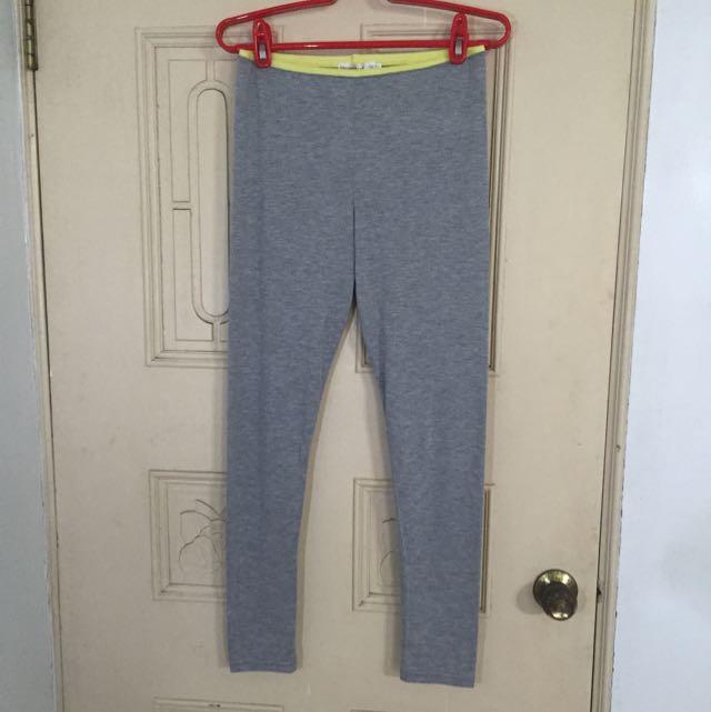 淺灰色 內搭褲