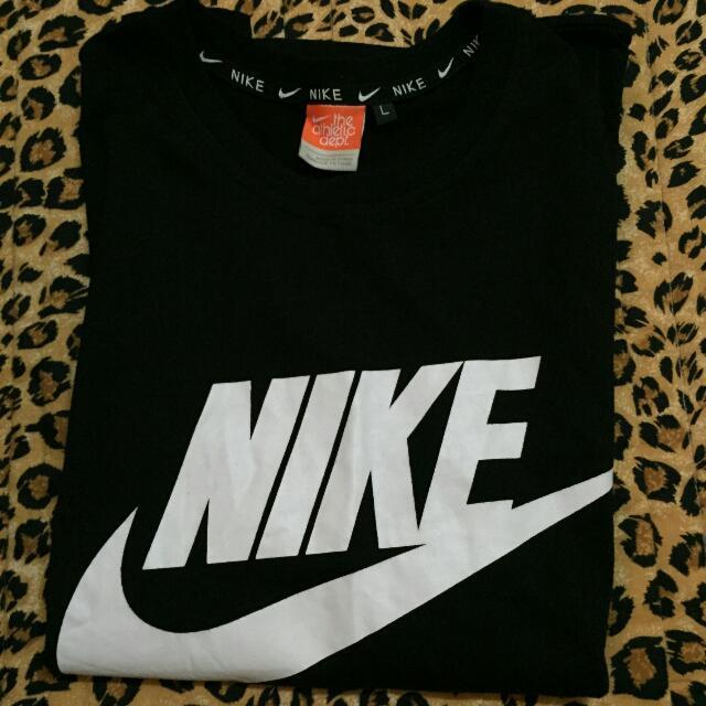 (保留)黑底白英文字 Nike Logo標誌短t