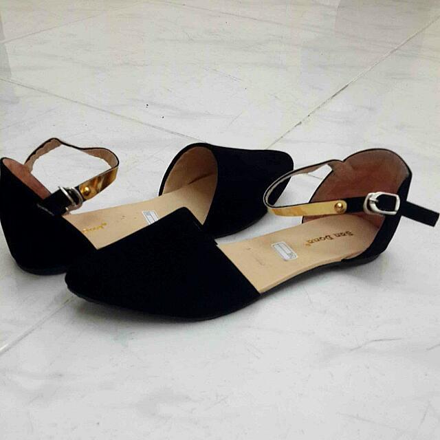 Preloved Black Ankle Flats