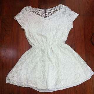 ✨全白花蕾絲氣質洋裝✨