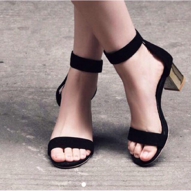 全新黑色簡約粗跟露趾涼鞋