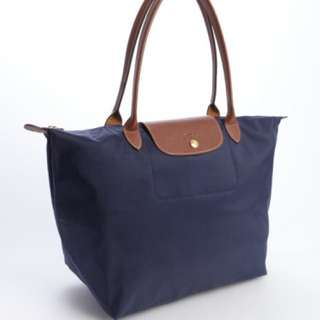 Now $90 !! Authentic Le Pliage Large With Long Handle Navy Blue