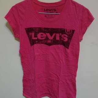 Levis Logo T shirt 💓