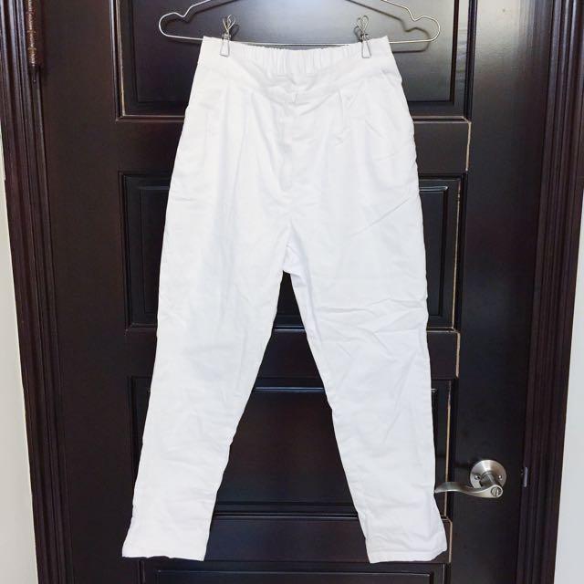 白色率性休閒褲