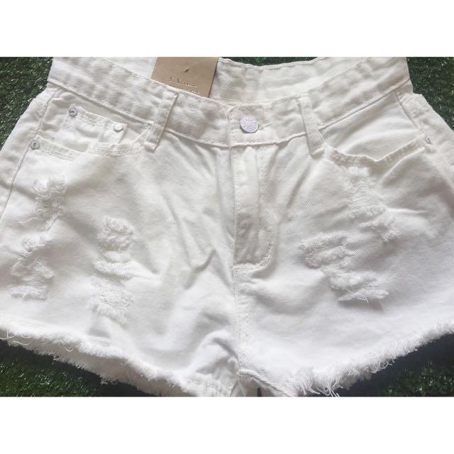 全白刷破牛仔短褲