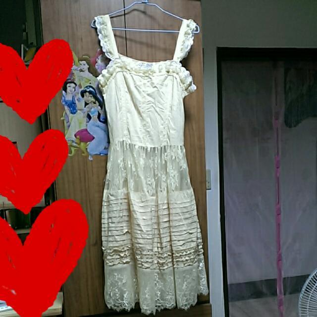 米白色蕾絲洋裝