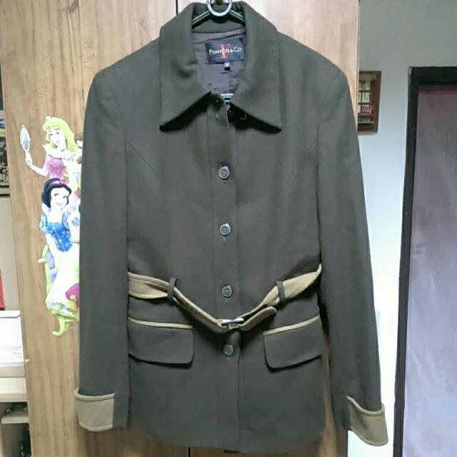 鐵灰綠色外套大衣