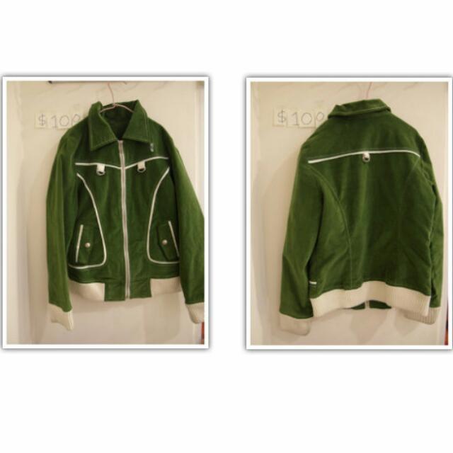 ➤編號8 ∥  綠色特色夾克