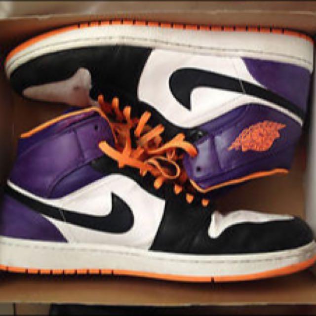 new style f14c3 68ad9 Air Jordan 1 Mid White bright Citrus-court Purple-black, Men s Fashion on  Carousell