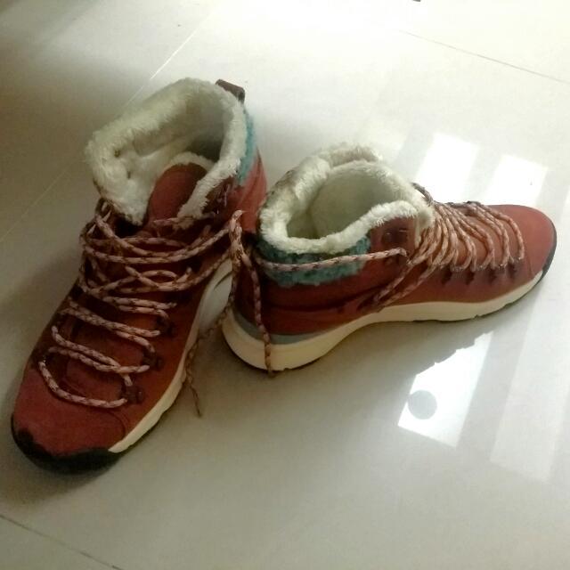 Nike 雪靴