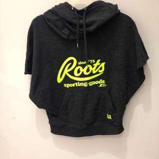 暫售 Roots帽T