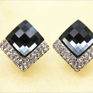 菱形滿鑽多切面寶石耳環(全新