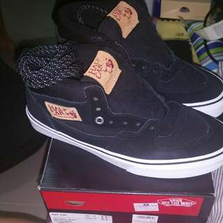 (Reserved) Vans Off The Wall Half Cab Shoes