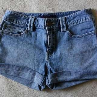 Bossini牛仔短褲 💓