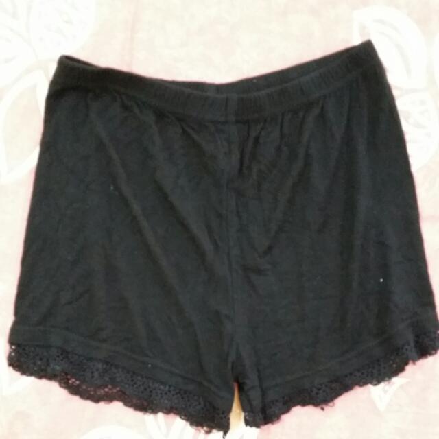 🎉買裙子就送🎉黑色下擺蕾絲安全褲