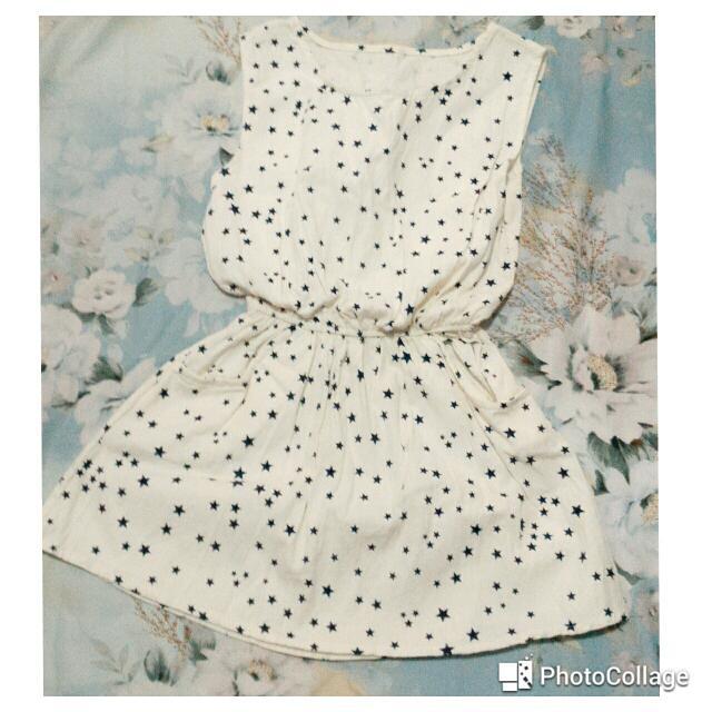 白色星形長版上衣小洋裝