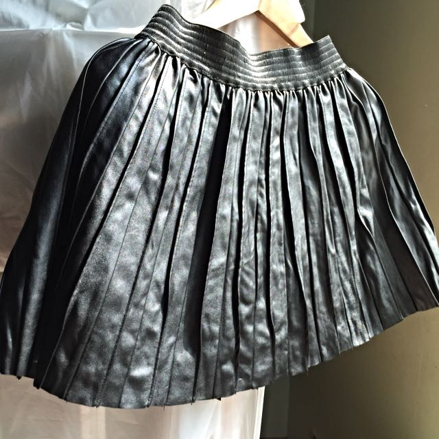 皮質百折裙