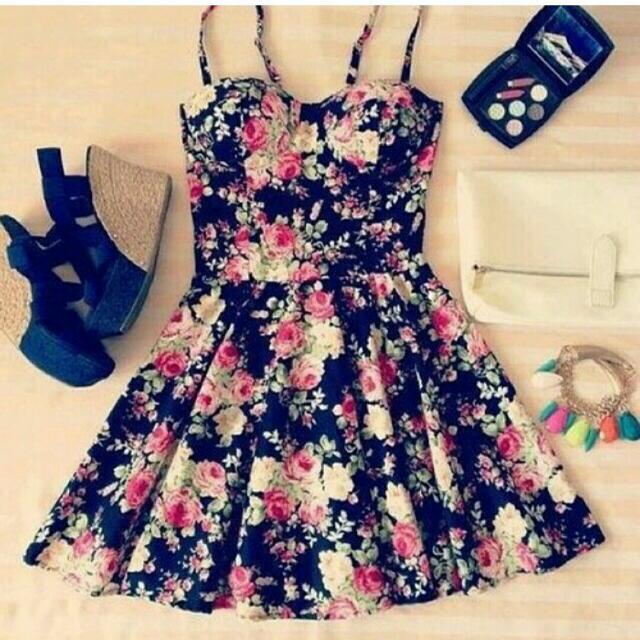 徵求這件洋裝