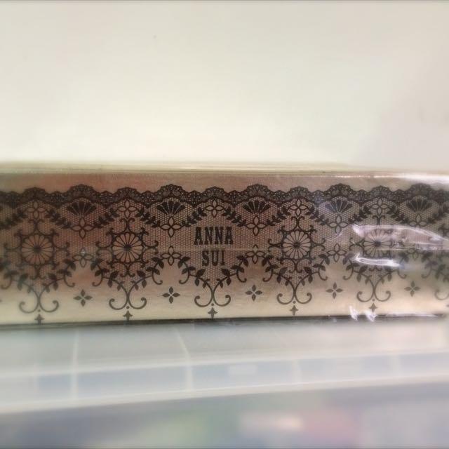 專櫃ANNA. sui限量版的面紙盒,原價$700特價$350,全新。