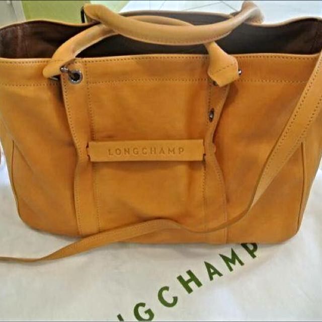f77e39966ed Authentic Longchamp 3D Tote bag (Color = Honey), Luxury on Carousell