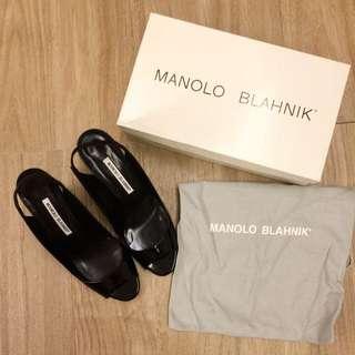 Manolo Blahnik 黑色漆皮楔形鞋