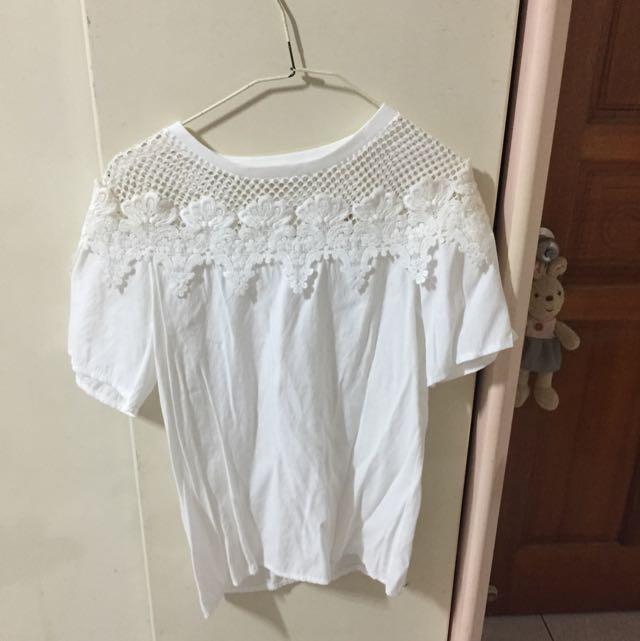 白蕾絲短袖