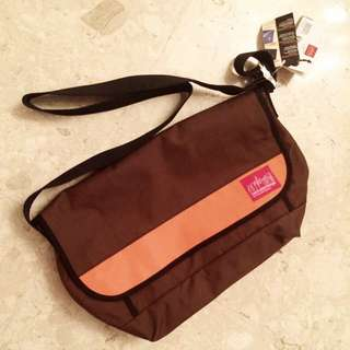 🐟( CLEARANCE ) BNWT Manhattan Portage Sputnik Messenger Bag LG
