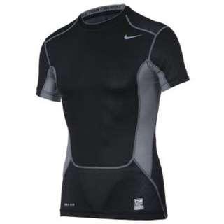 Nike Pro Combat 運動緊身衣