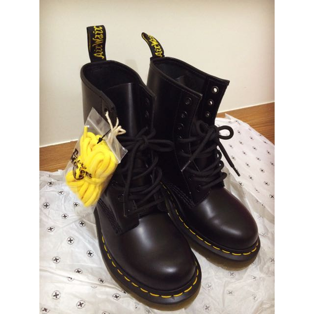 Dr.Martens Women's 1460 Originals Eight-eye Lace-Up Boot經典款八孔馬丁鞋(保留)