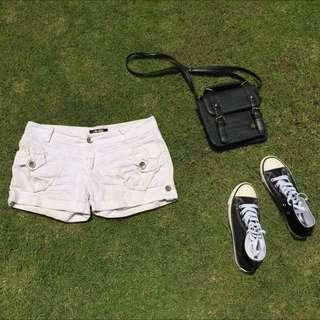素白白色短褲