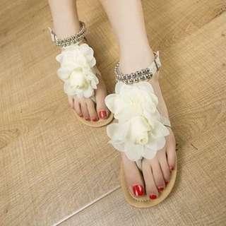 春夏新款舒適甜美大花平底蕾絲花邊串珠夾指涼鞋(白色37)